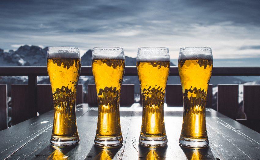Wintersporters drinken