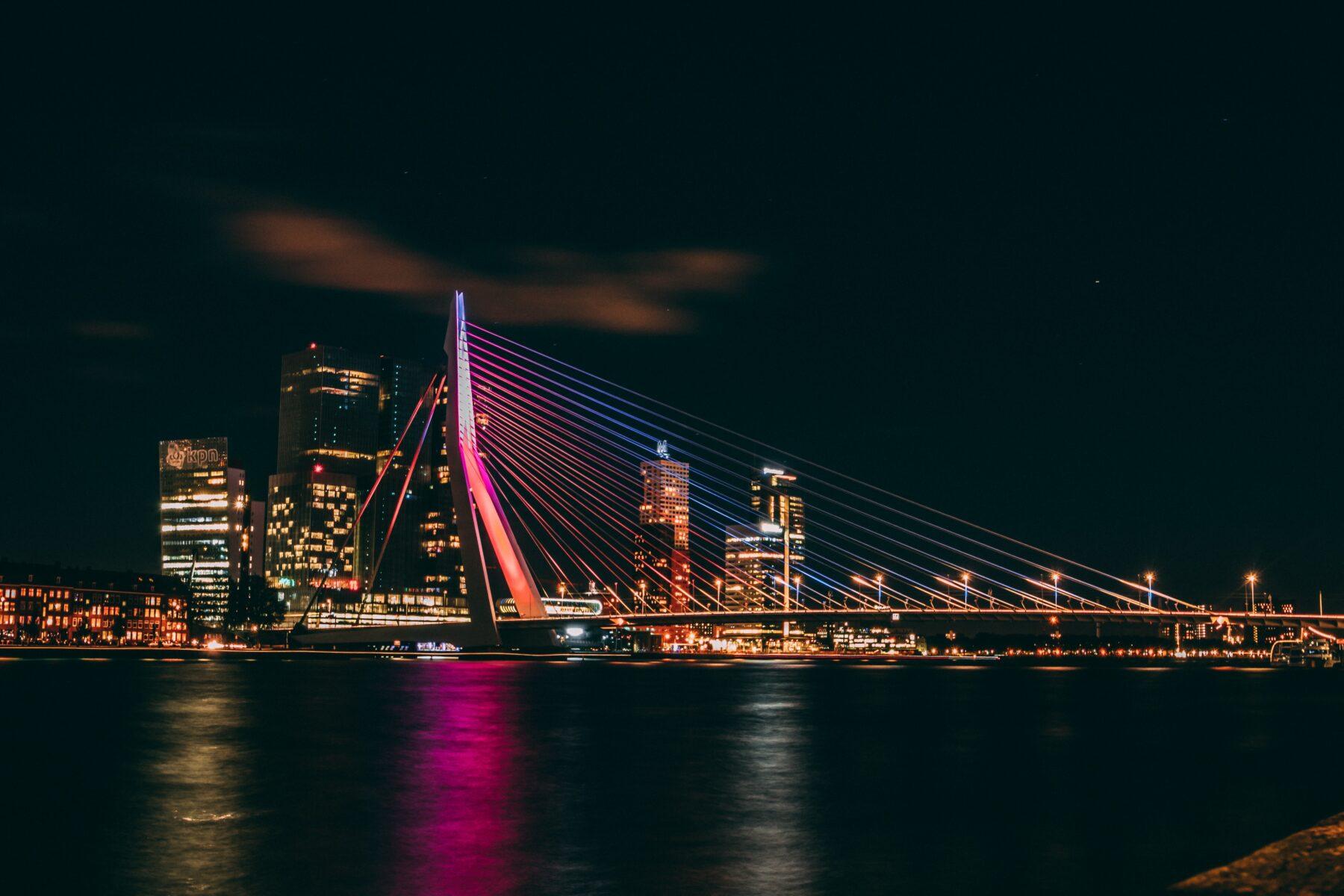 Gemeente Rotterdam Trekt Stekker Uit Nieuwe Club