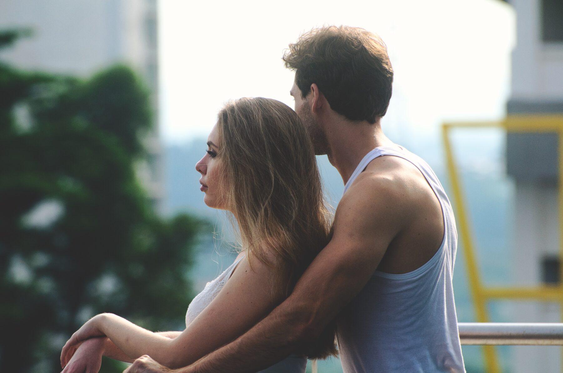 9 dingen die vrouwen doen wanneer ze verliefd zijn | Mellowed